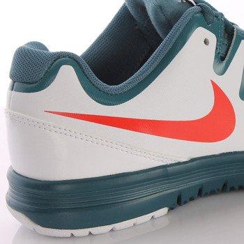 buty tenisowe juniorskie NIKE VAPOR COURT (GS) / 633307-100